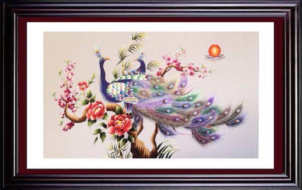 tranh-theu-tTranh thêu chim công giúp việc kinh doanh luôn suôn sẻ, thuận lợihu-phap-chu-phuc