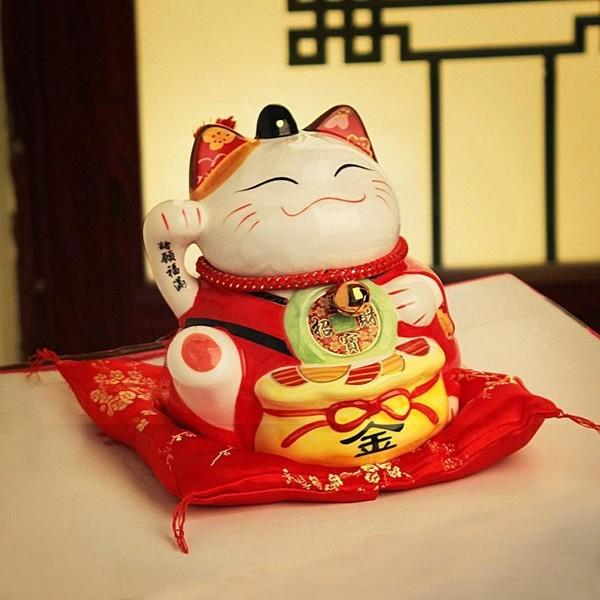 Bức ảnh mèo với ý nghĩa mong cầu một cuộc sống sung túc và êm đềm