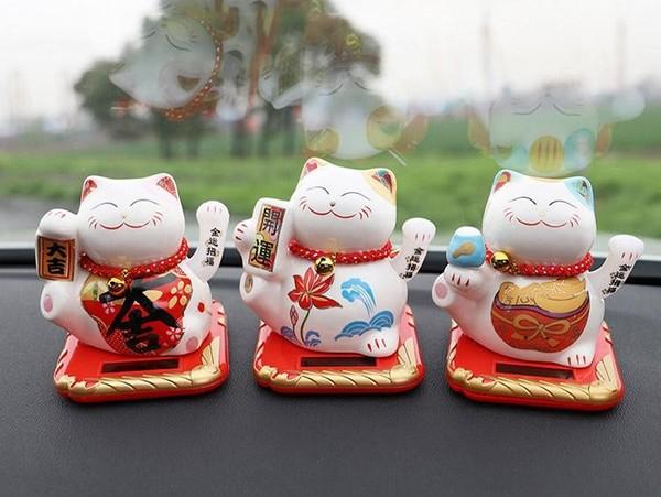 Một số mẫu mèo thần tài tinh nghịch khác dùng để trang trí trong ô tô