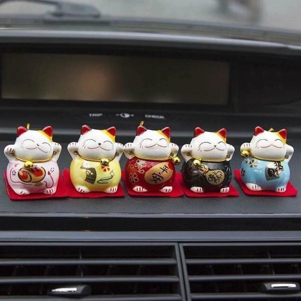 Những chú mèo thần tài cute, nhỏ xinh để trong ô tô cầu an lành, may mắn