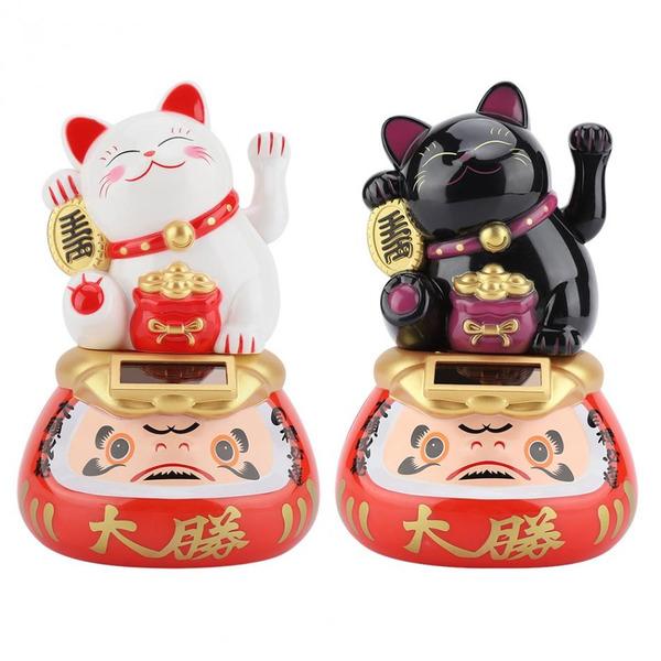 Một cặp mèo thần tài trắng đen cực kì dễ thương luôn!