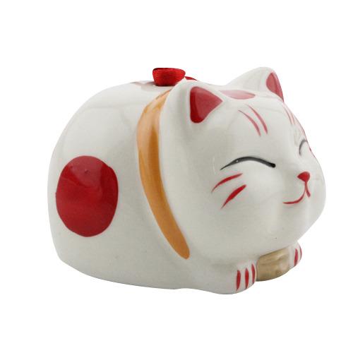 Chú mèo may mắn của Nhật Bản này luôn trong trạng thái năng động, tự tin tiến về phía trước