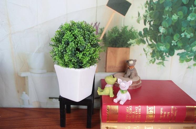 Chậu hoa giả cỏ sứ VT160