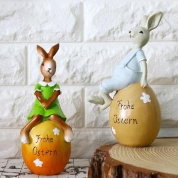 Thỏ ngồi trên trứng VT153