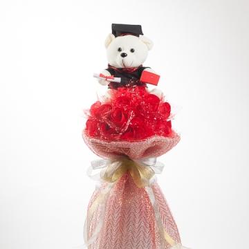 Hoa gấu bông mừng lễ tốt nghiệp (Gấu bông ôm hoa đỏ)