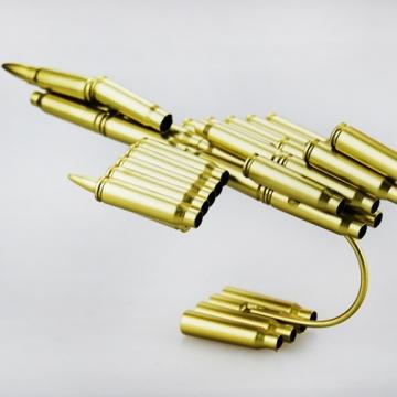 Máy bay mô hình làm từ vỏ đạn MB002