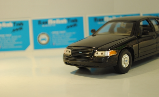 ford-crown-victoria-black-1999-2