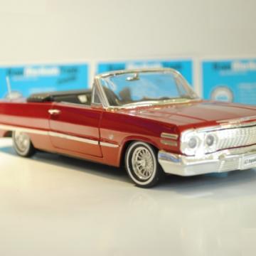 Ô tô mô hình Chevrolet Impala RED 1963 tỉ lệ 1:24