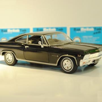 Ô tô mô hình Chevrolet Impala SS 396 màu đen tỉ lệ 1:24
