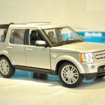 Ô tô mô hình Land Rover Discovery 4 màu bạc tỉ lệ 1:24