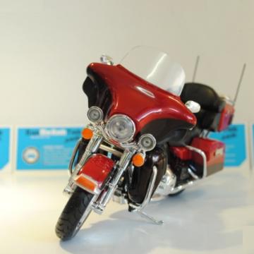 Mô hình Harley Davidson FLHTK Electra Glide Ultra Limited 1:12