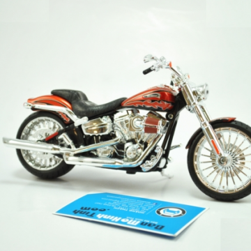 Xe máy mô hình HARLEY DAVIDSON 2014 CVO BREAKOUT 1:12