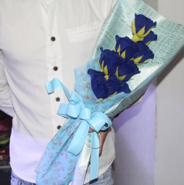 Hoa gấu bông giấy nhún bó hoa hồng xanh HGB013