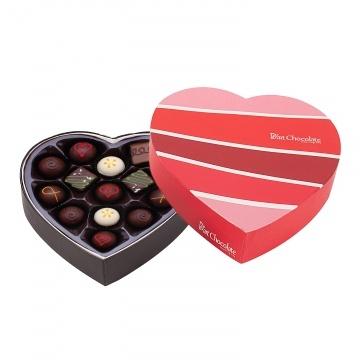 Hộp socola hình trái tim 14 viên socola tươi V040